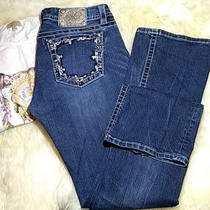 Miss me jeans size 32/35 boot cut mid rise